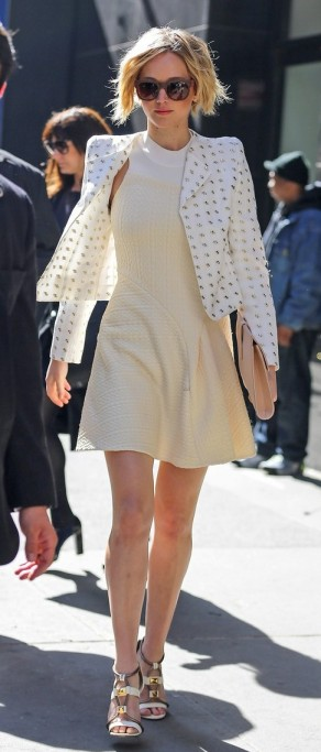 jennifer-lawrence-goes-glam-for-gma-spends-easter-in-nyc-01