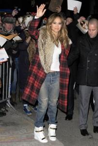 Jennifer-Lopez-wearing-Michael-Kors-Tartan-Plaid-Fur-Collar-Wool-Coat